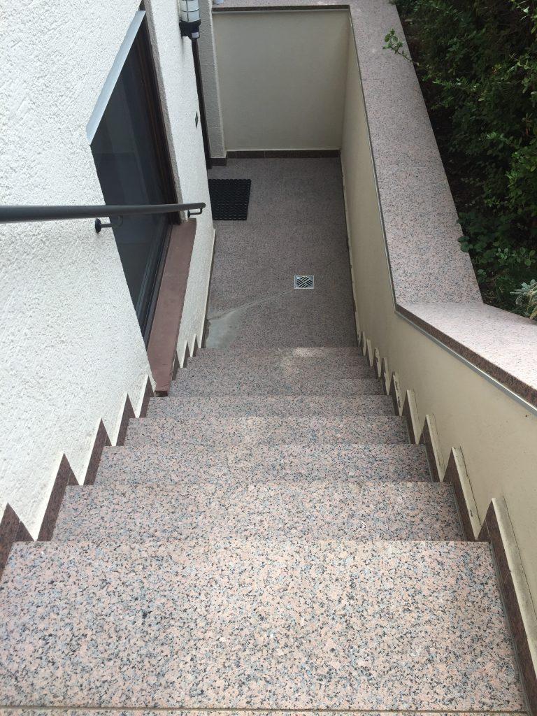Keller-Treppe Nachher - Die Steinreiniger