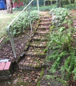 Treppe-vorher DieSteinreiniger